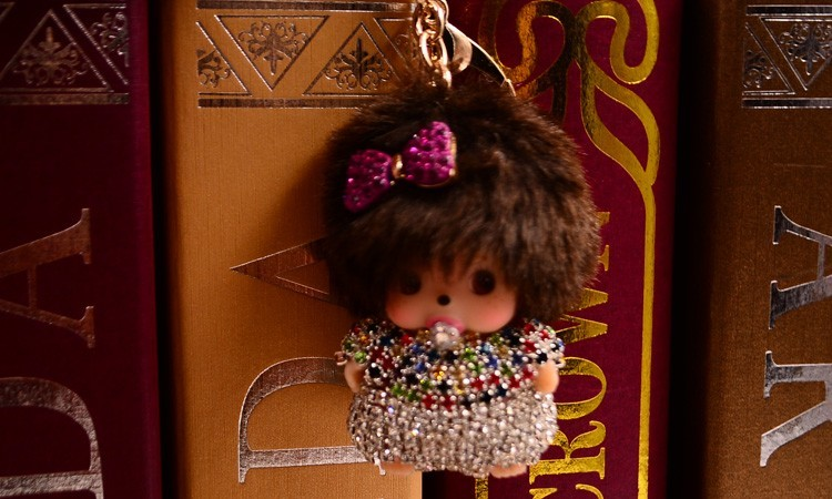 Bow-Knot Rhinestone Monchhichi Gold Metal Keychain Monchichi Car Keyring Purse Messenger Bag Backpack Key Chain Pendant K-050