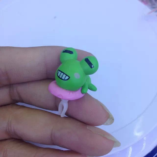 Lovely Cute Resin Doll dust plug Earphones headphones Jack plugs for iphone cell phone accessories 100pcs/lot Wholesale(China (Mainland))