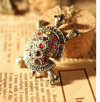 2015 New Fashion Hot-Selling Happy Baby Vintage Sweater Chain Simulated Diamond Cute Little Turtle Necklace 66N64