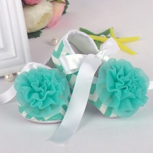 Newborn to 18 Months Soft Sole Crib Shoes Toddler Ribbon Lace Flower Baby Shoes(China (Mainland))