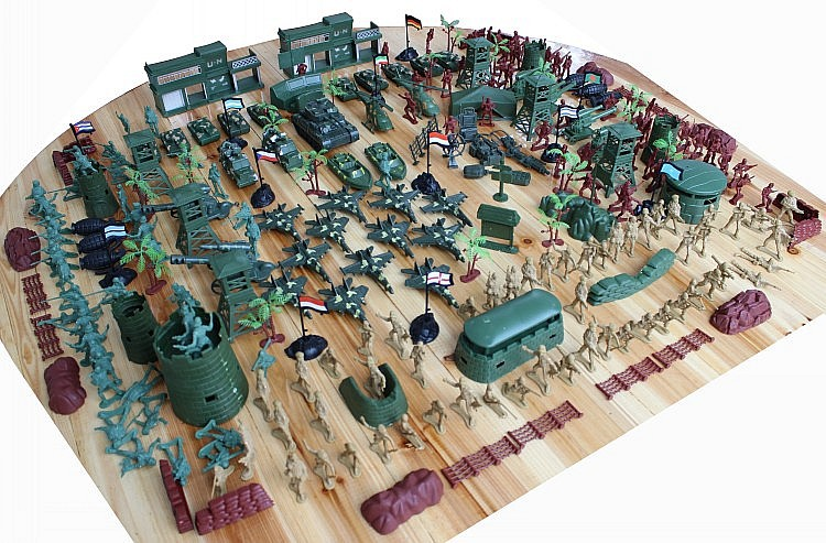 310pcs set toy soldier World War II military base plastic army boy loves sand table model army Valentine's gift(China (Mainland))