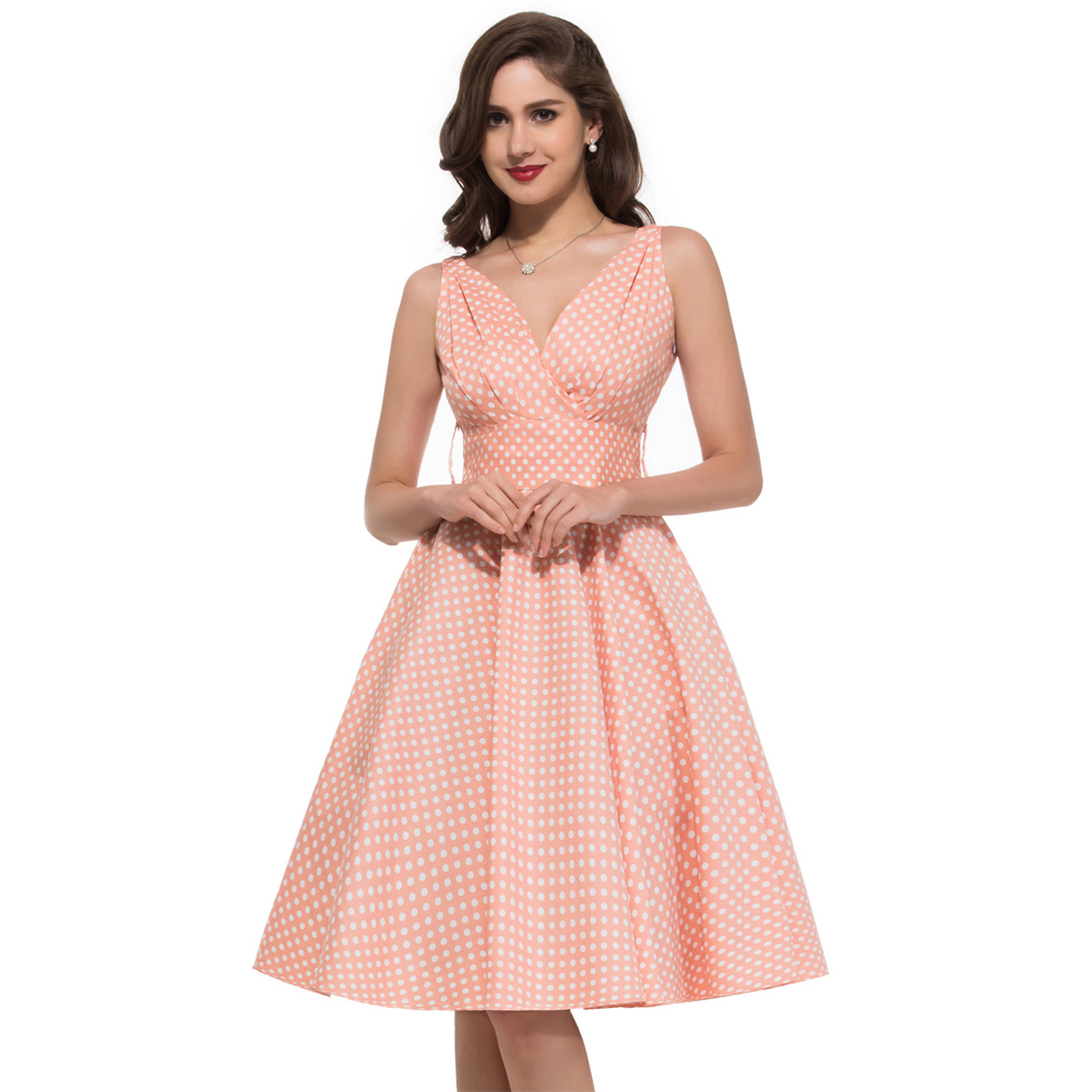Women vintage dress with innovative inspiration for Classic 50s housewife