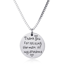 """Trendy Silver Plated Round Pendant Necklace Letter Engraved Box Chain Necklaces About """"Dream"""" Charm Couple Love Necklace Jewelry(China (Mainland))"""