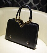 New bag Korean female bag fashion woven handbag fashion stereotypes Shoulder Messenger bags wholesale