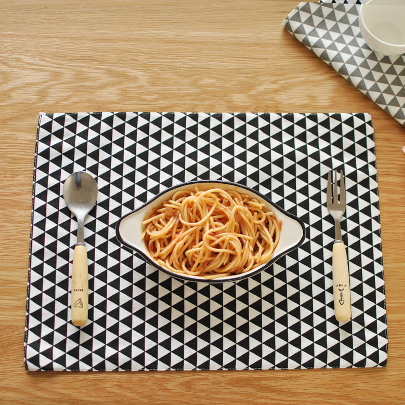 New Classic Design Black Geometric Pattern Printed Cotton Napkins Thick Meal Pads For Table Decoration(China (Mainland))