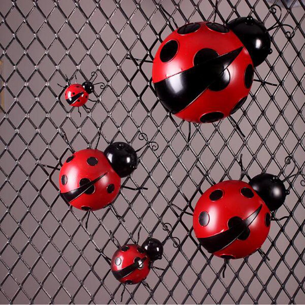 Iron Ladybug Metal Animal Hanging Wall Art Hanger Indoor Outdoor Garden Home Decoration, 10cm