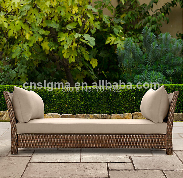 2014 Hot Sale Designed Outdoor Garden Rattan Lounger Daybed In Rattan Wicke