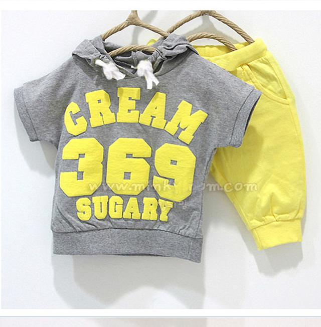 Retail girls boys clothing sets Baby cream 369 Short sleeve t shirt +Pants Sport suits 2pcs kids clothes Childrens clothing set(China (Mainland))