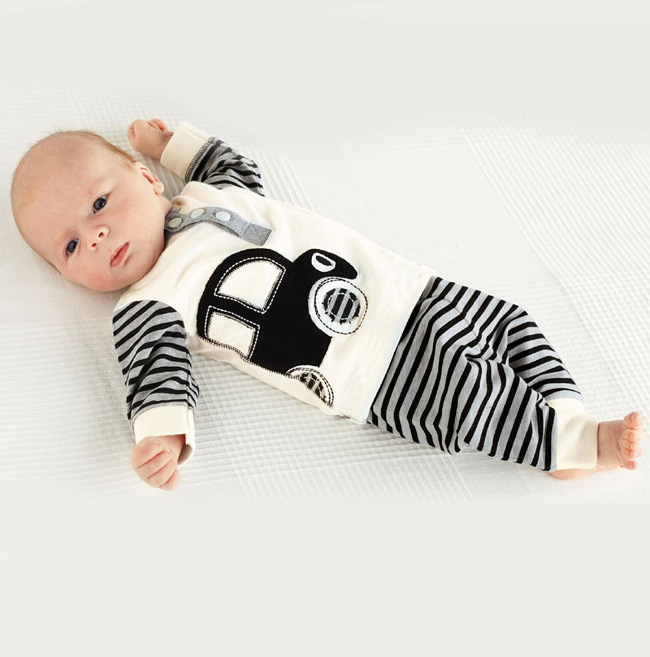 2014 Fashion cute boys long sleeve printed cars striped t shirt +pants set cute kid baby casual clothes childrens cotton wear<br><br>Aliexpress