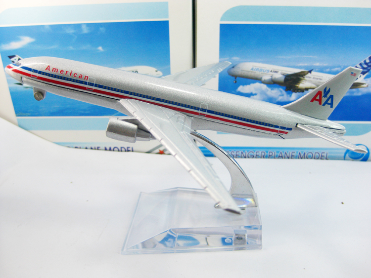 Free Shipping! American airlines B777-200 airplane model,16cm metal AIRLINES PLANE MODEL,airbus prototype machine,Christmas gift(China (Mainland))