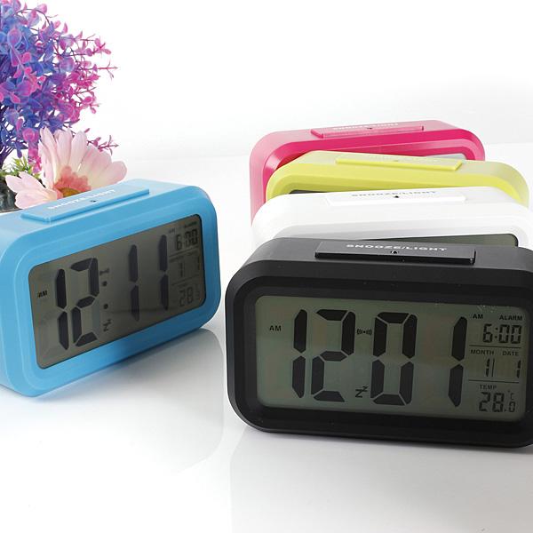 Wholesale Digital LCD Screen Mini Desktop LED Projector Alarm Clock Multi-function With Snooze+Blue Backlight+Calendar(China (Mainland))