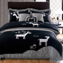 Black Striped Zebra Embroidered 4-Pieces Bedding Sets Queen Size Cotton Duvet Cover Bed Skirt Pillow Case Purple Pink(China (Mainland))
