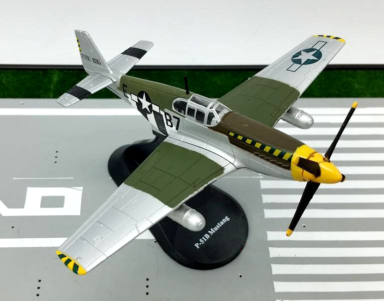 AMER 1:72 World War II American P-51B Mustang fighter model Alloy plane model Rare collection aircraft model(China (Mainland))