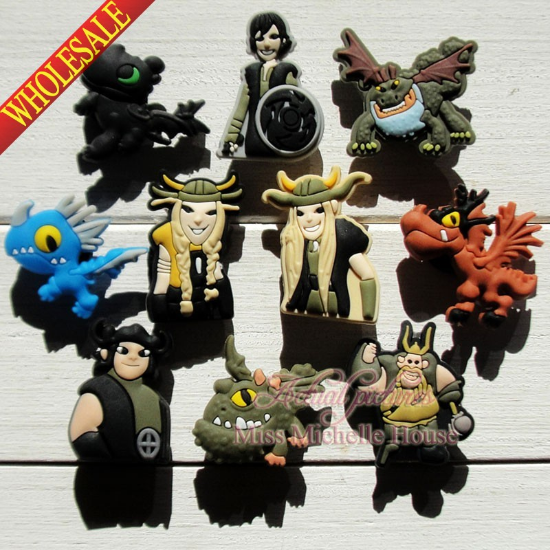 100pcs How to Train Your Dragon Cartoon Shoe Charm Fit Bands Bracelets Croc,Lovely Shoe Buckles Accessories Cosplay Shoe(China (Mainland))