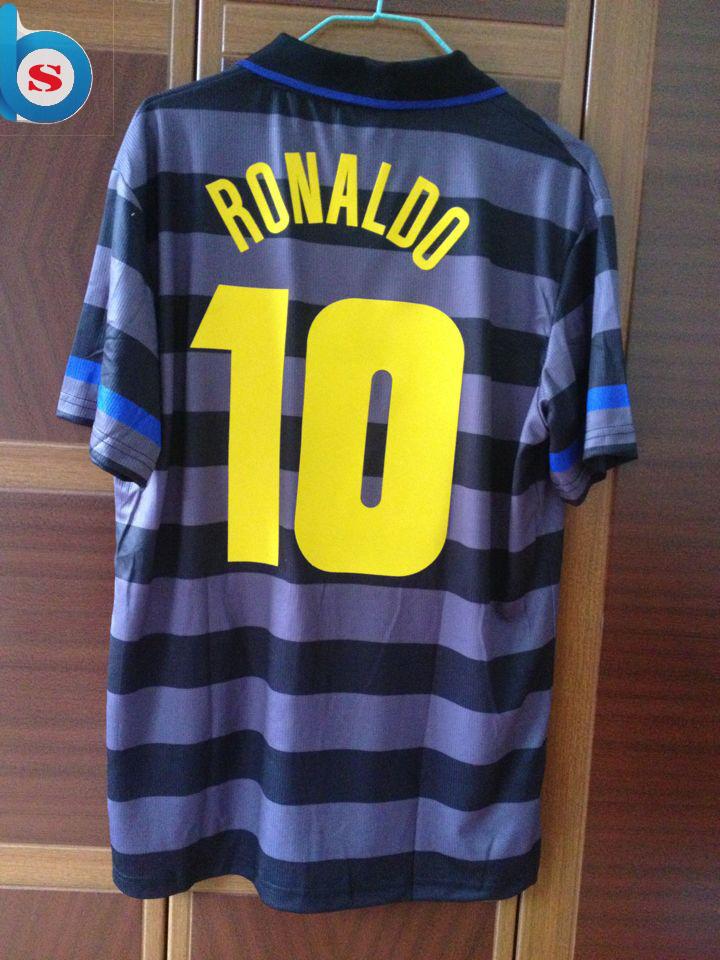 Quality ! Retro Season 97-98 Inter clock Jersey Football Fans Souvenir RONALDO Soccer Accessories(China (Mainland))