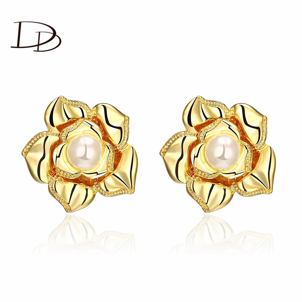 Simulated pearl plant flower design clip earrings fashion jewelry for women romantic style gold Design and style fashion jewelry