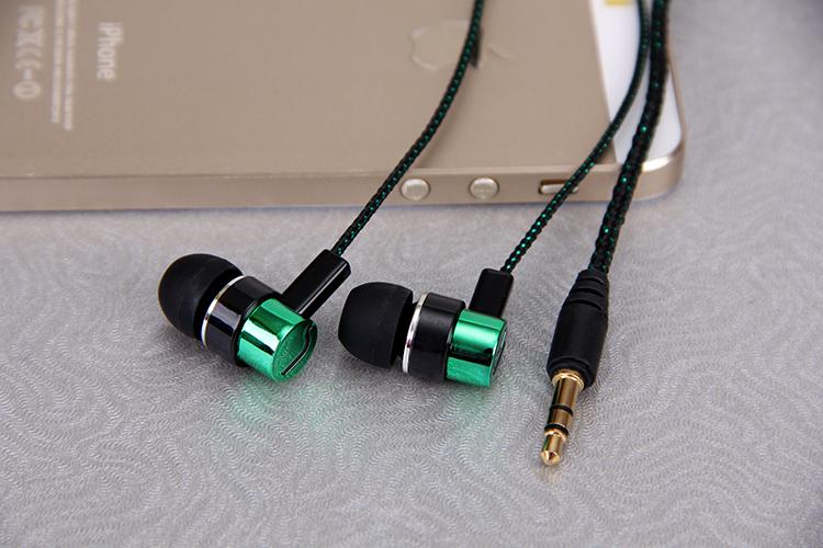 Metal Earphones Jack Standard Noise Isolating 1 1M Reflective Fiber Cloth Line 3 5mm Stereo In