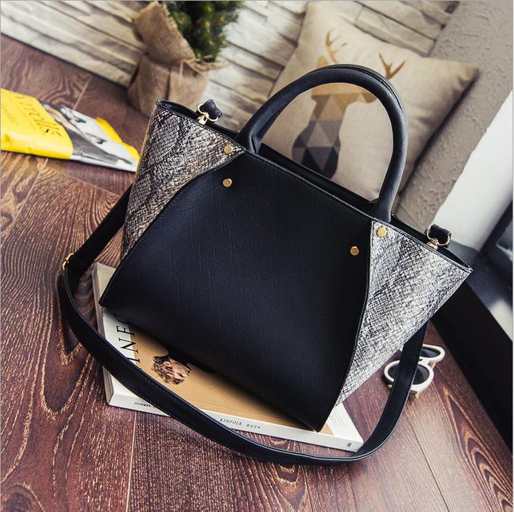 2016 european style vintage design serpentine woman handbag trapeze top quality wing messenger bags handbags women famous brands(China (Mainland))