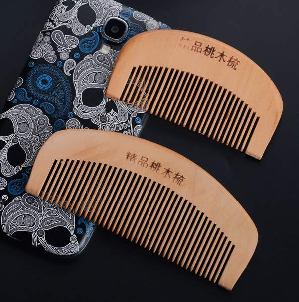 2015 New Natural Wide Tooth Peach Wood No-static Massage Hair Wood Comb 2 Size Hair Styling Tools(China (Mainland))