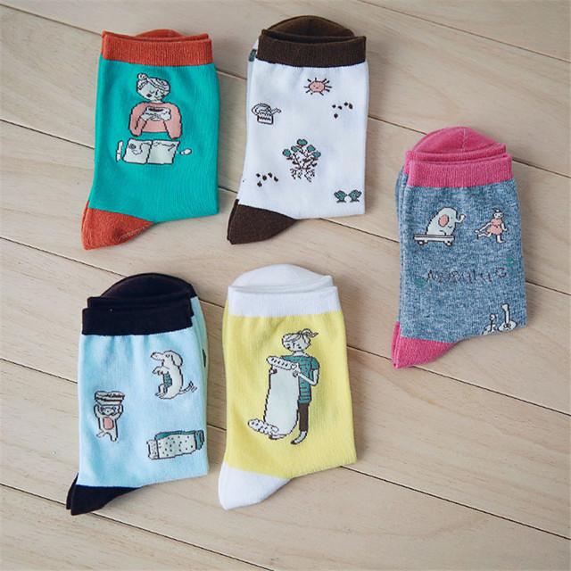 2015 новый зимний корейский каваи домохозяйка жизнь иллюстрации длинные носки женщины забавный мультфильм носок милый хлопок в трубке носки дешевые