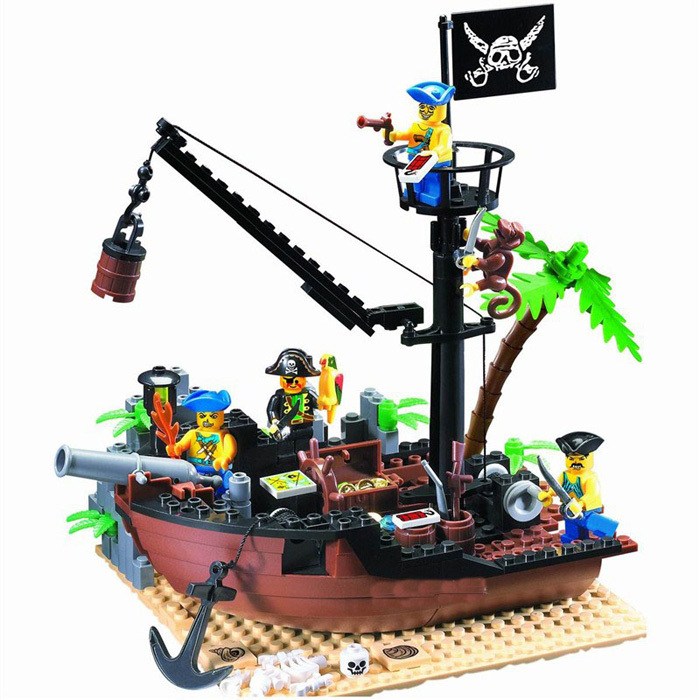 Enlighten 178PCS Pirate Series Pirate Ship Scrap Dock Model Building Blocks Sets Minifigures Compatible With Legoe