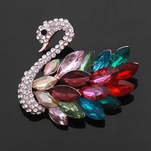 Baiduqiandu Merek Indah Beberapa Warna Kaca Kristal Berlian Imitasi Angsa Bros Pin untuk Wanita Warna Merah/Biru/Ungu/ hijau(China)
