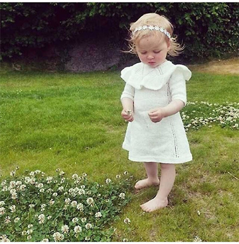 2015 Winter Hot Girl Princess Sweater Dress Wool Knitted High Quality Cute White Baby Dress with Cap Kids Dresses for Girls(China (Mainland))