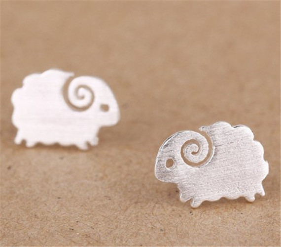 Hot Sell Stainless Steel Bijoux Small Sheep Stud Earrings 18 k Gold Plated Women Earrings Fashion Animal Jewellery(China (Mainland))