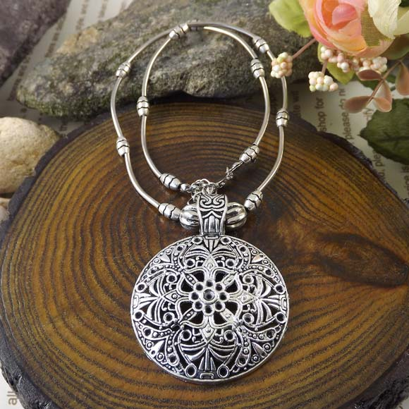 2014 Hot Hollow Vintage Turquoise Bohemia Necklace Charm Jewelry Tibet Brand Statement Women Necklaces Wholesale 2015