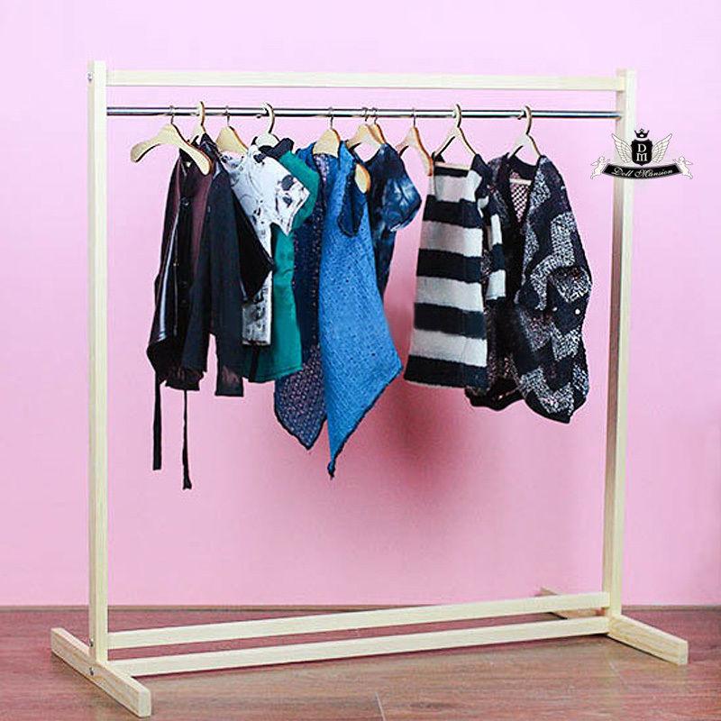 SD MSD YOSD BJD Clothes stand Wood Furniture Hanger Racks Dollfie Dream SOOM DZ(China (Mainland))