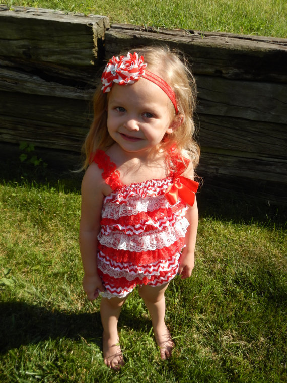 Baby Christmas Romper-Red Chevorn/White Lace Ruffle Romper-Posh Petti Rompers-Xmas Outfit-Romper With Matching Leg Warmer In Set(China (Mainland))