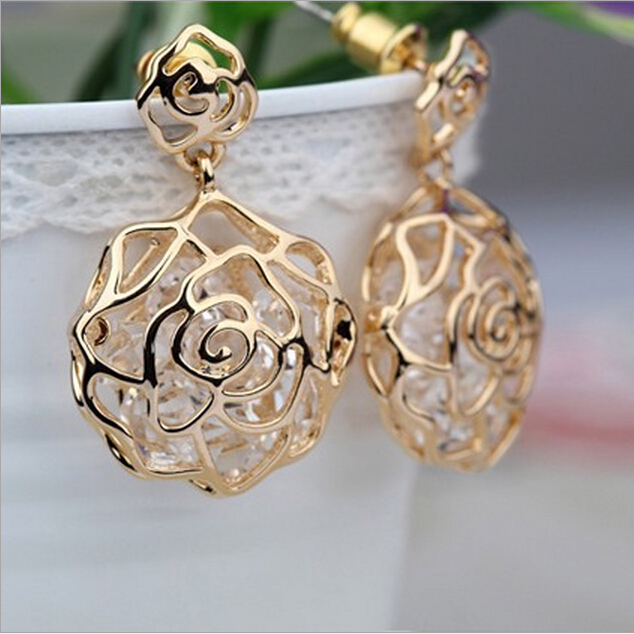 2015 New !!! Fashion Fine Jewelry Gilded Stereoscopic Pierced Built Dazzling Zircon Romantic Rose Stud Earrings For Women E-16(China (Mainland))