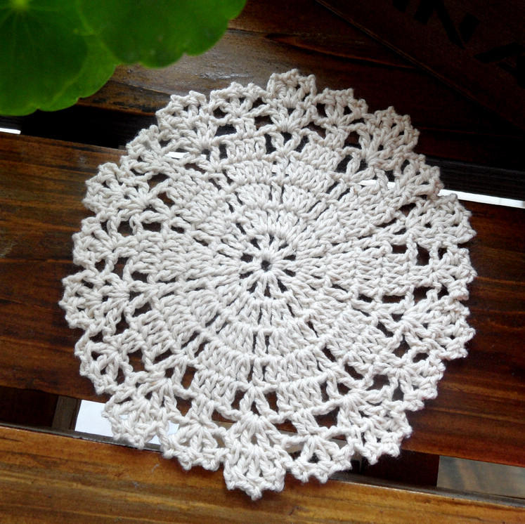 Free shipping Janpan style 12 pic/lot round fabric doilies for home decor place mat potholders dinner table accessories cup mat(China (Mainland))