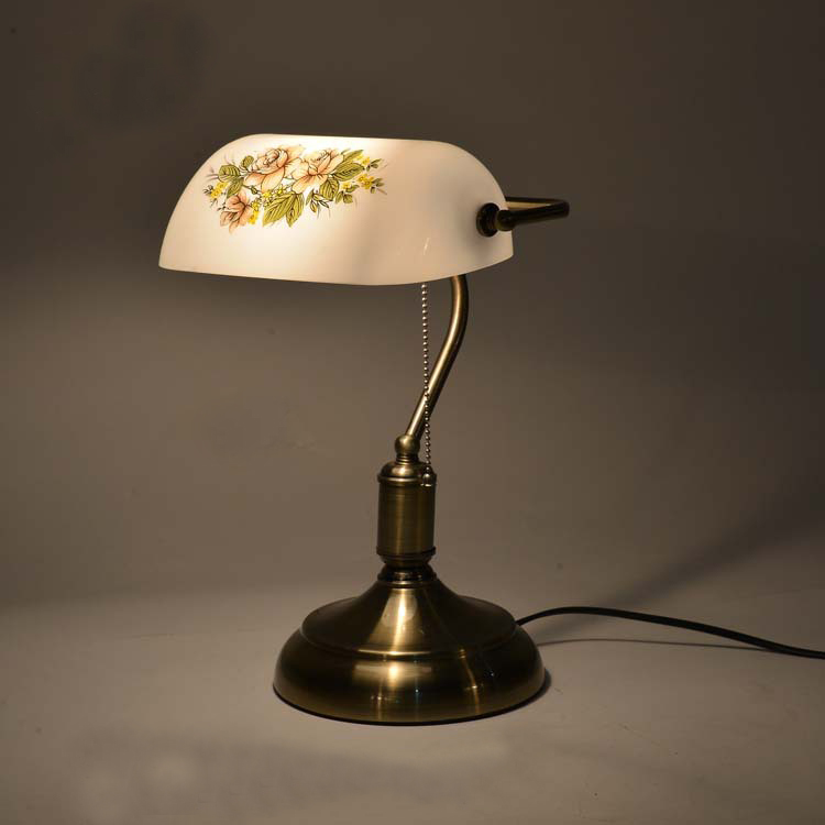 high grade american style retro table lamp with pull chain switch. Black Bedroom Furniture Sets. Home Design Ideas