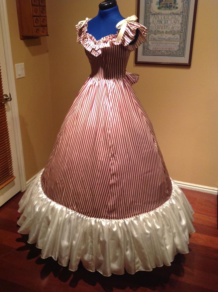 Purple Striped Gown  Civil war costume renaissance dress satin dressÎäåæäà è àêñåññóàðû<br><br>