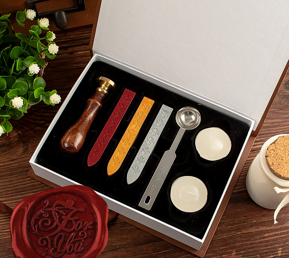 New customize Stamp with gift Box,Retro Style Sealing Wax Stamp set,Deluxe Gift set 26 alphets,Greeting words for choose (1set)(China (Mainland))