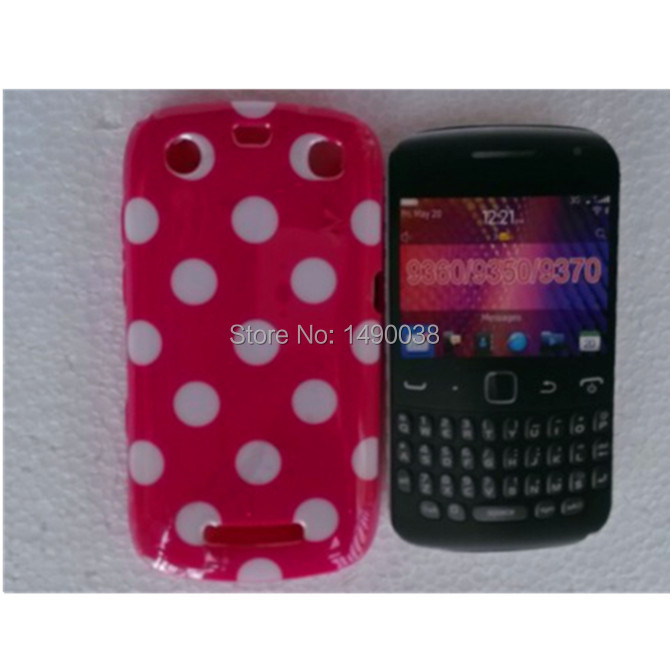 Hot Sale Cute Lovely TPU Polka Dots Style Back Skin Cover Case for Blackberry 9350 9360 9370 Soft Phone Case Free(China (Mainland))