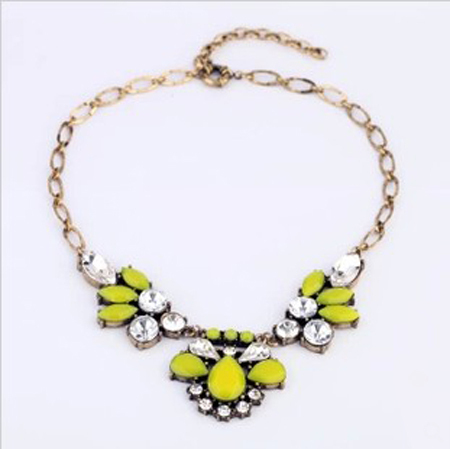 2013 new fashion delicate candy color vintage acrylic stone short necklace