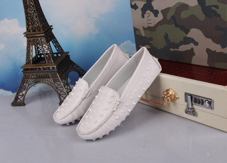 2014 new women luxury brand flats rivets slip loafers genuine leather V shoes white pink blue Eur size 35-40
