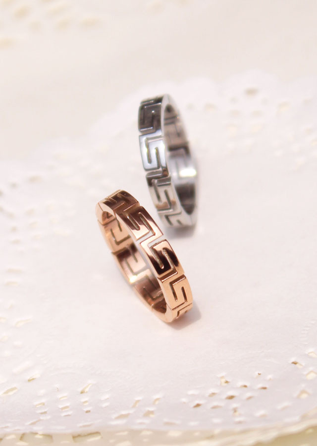 Fashion Jewelry Stainless Titanium Steel Rings Silver Cutting Cross Could Separate Couple Rings Hollow out labyrinth Rings(China (Mainland))