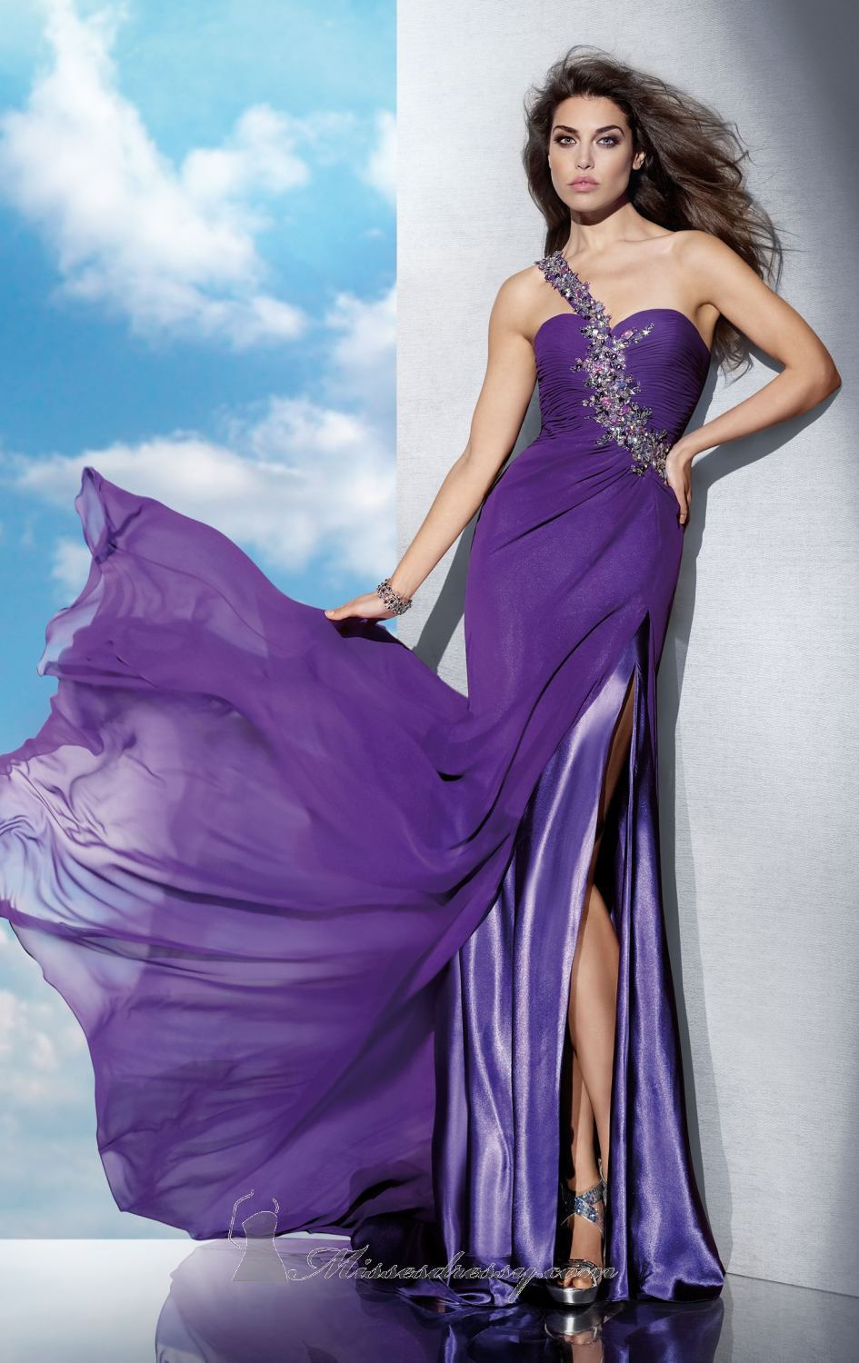 Flowing Evening Gowns-buy