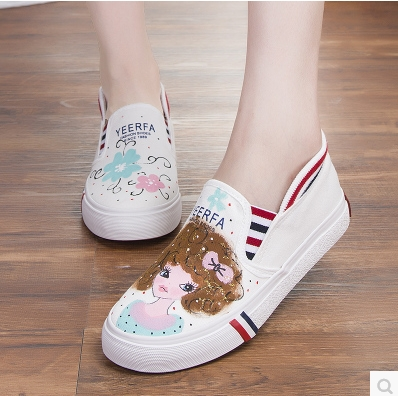Foot wrapping women s canvas shoes personalized hand painted shoes girl bear flat grey low graffiti