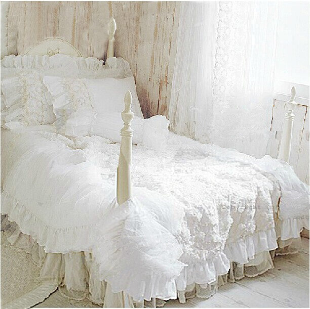 Hot 4pcs set romantic white lace rose bedding set princess for Housse edredon dentelle