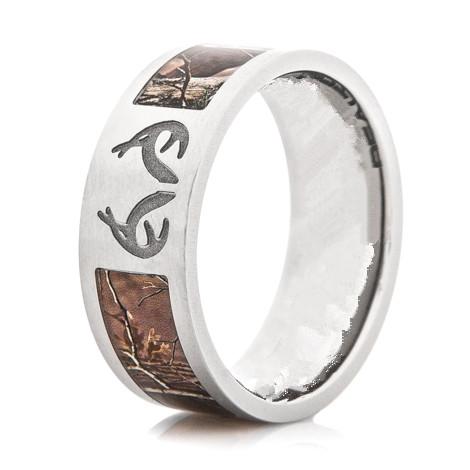 wedding rings with engraved deer print wedding rings