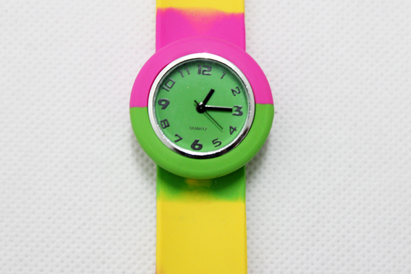 25pcs/lot free shipping high quality child slap watch kids rainbow watch color multicolour slap quartz watch rainbow slap watch<br><br>Aliexpress