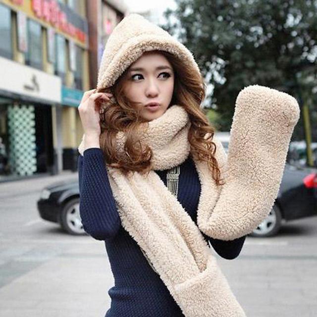 2016 новый зимний марка мода меховые шапки для женщин шляпа шарф перчатки триада шляпу и шарф комплект для женщин бесплатная доставка