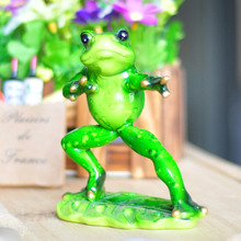 Chinese Kongfu Kawaii Frog Figurine Artificial Animal Crafts Creative Ornaments Resin Crafts For Home Decoration Gift