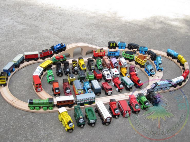 Fedexie IE Free shipping Thomas Friends Children Earlier Educational Small Trains Track Wooden Toy Mixed Order 73+32 Pieces(China (Mainland))