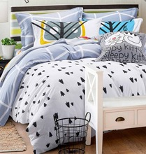 Fashion black white cartoon bedding sets,full queen cotton comfortable double home textiles flat sheetsquilt cover pillow case(China (Mainland))