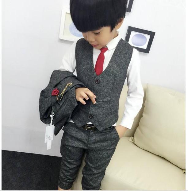 Скидки на 2016 мальчиков одежда джентльмен устанавливает красивые дети куртка + жилет + брюки 3 шт./компл. дети детские дети костюмы одежда горячая распродажа Q46